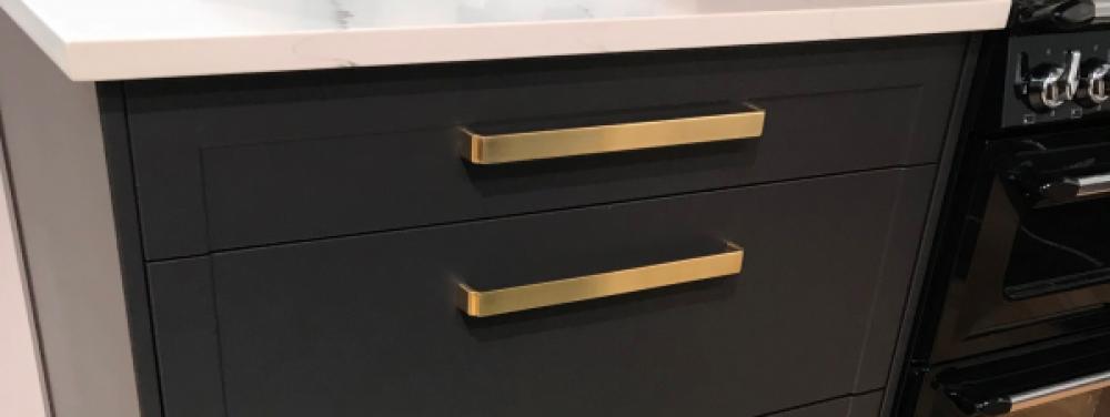 Kitchen cabinet handles knobs